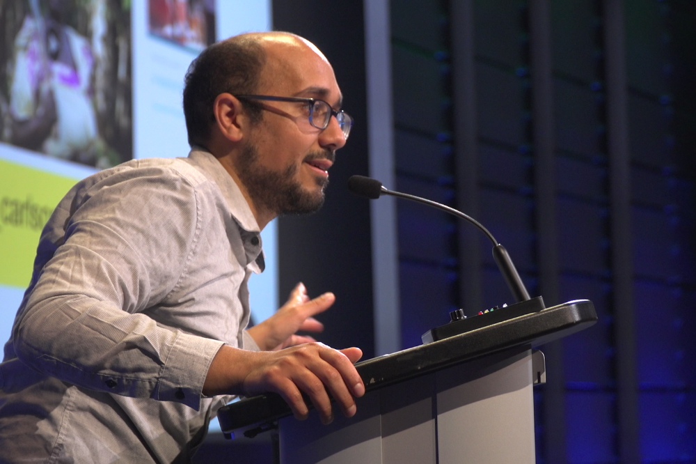 Senior Education Manager Fareed Mostoufi speaks about the Pulitzer Center's approach to storytelling in amplifying under-reported stories. Image by Claire Seaton. United States, 2019.