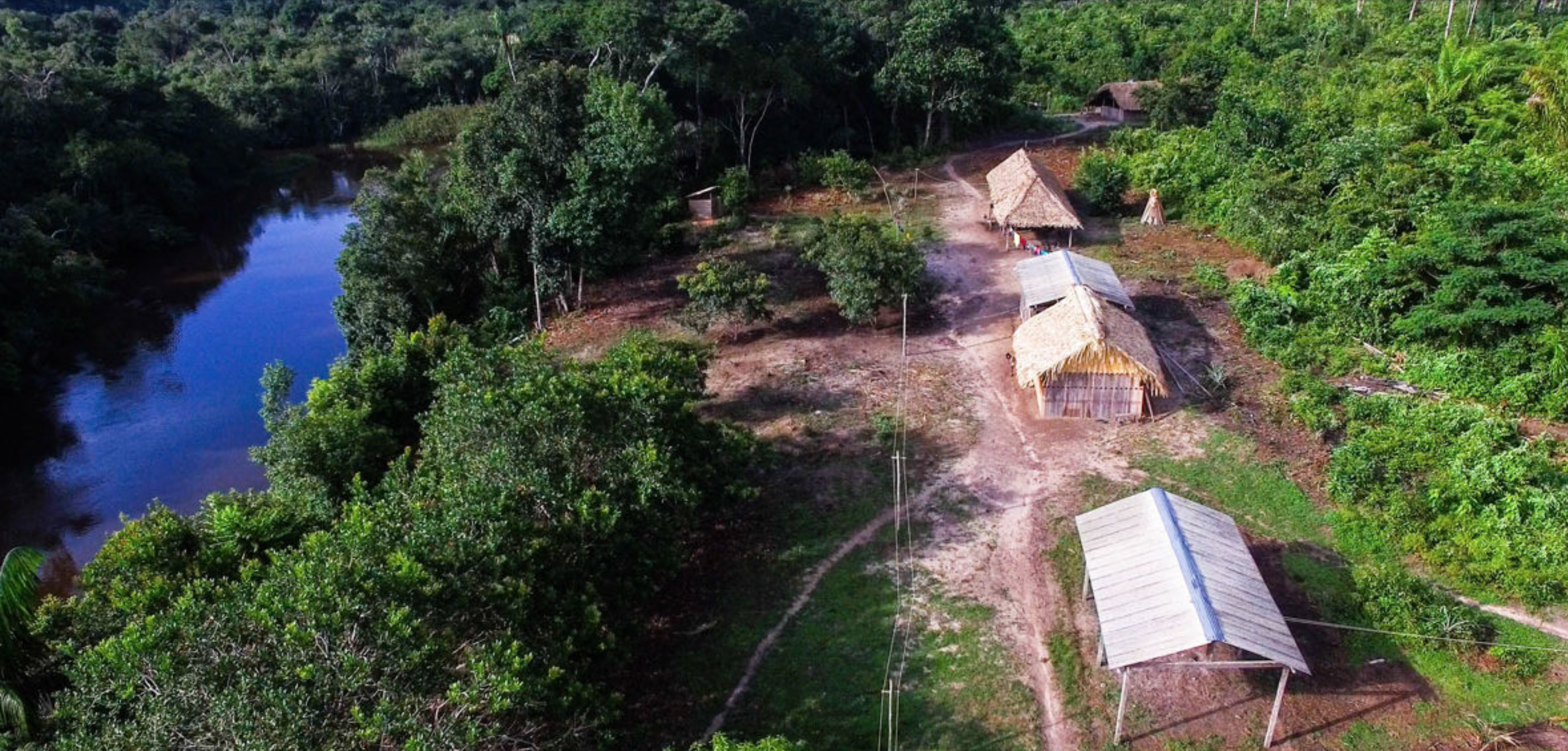 An aerial view of a typical Sateré-Mawé village in the Brazilian Amazon. Image by Matheus Manfredini. Brazil, 2019.